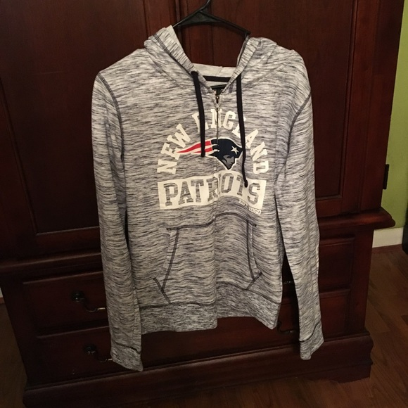 check out 0cced a691d Women's New England Patriots zip up jacket, NWT NWT